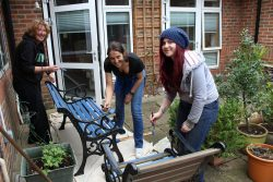 HMRC_Volunteer_Day Care Courtyard_2017 (3)