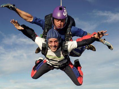 Kev Bradshaw an Epic Leap for Rowans Hospice